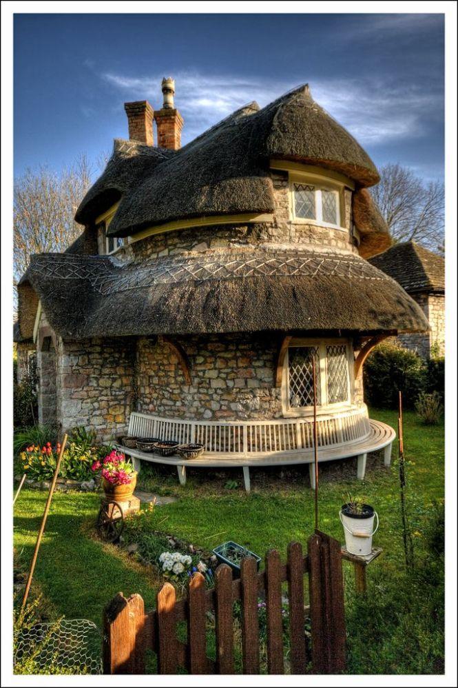 Blaise Hamlet, England