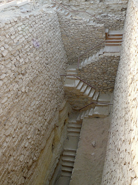 Egypte, Saqqara: Stairs in the south part of the pyramide of Djoser.