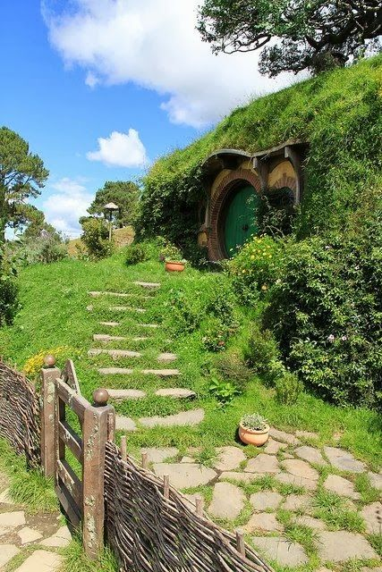 Hobbit Houses in Matamata, New Zealand