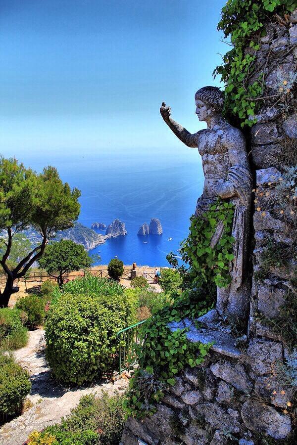 Statue, Isle of Capri, Italy