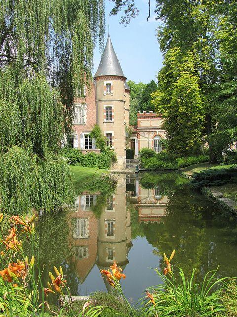 Chateau de l'Arboretum de Balaine ~ Auvergne