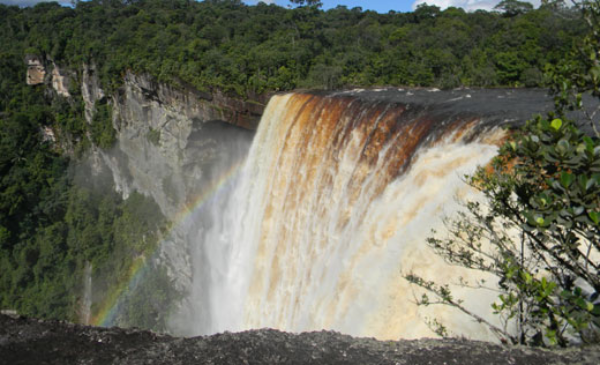 The largest single drop falls in the world