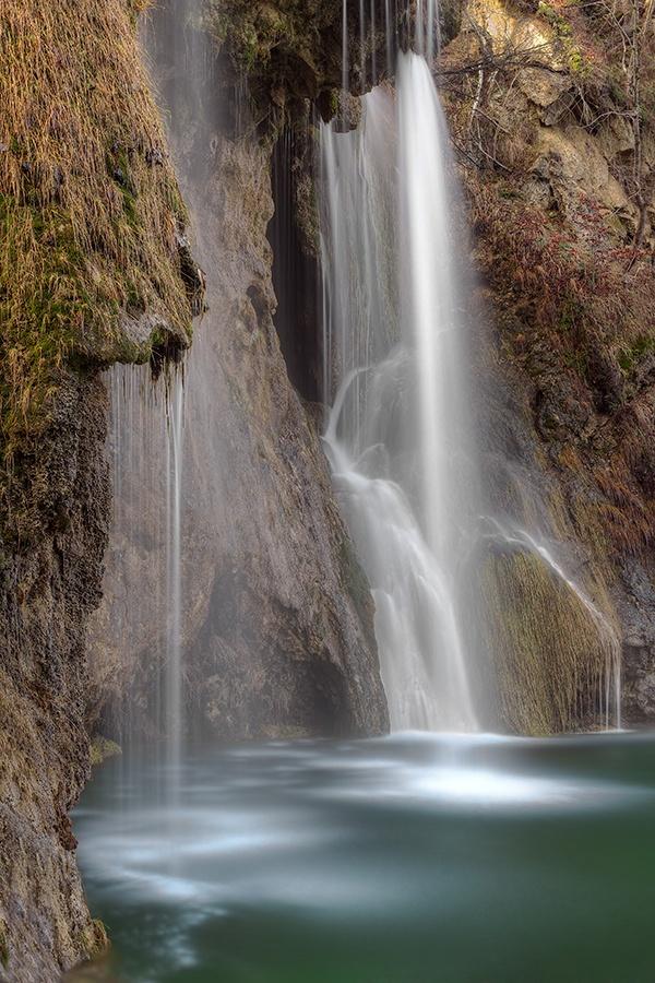 Plitvice lakes waterfall by Tomislav Gašparović