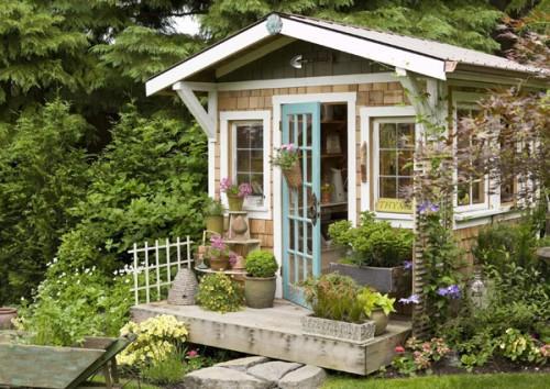 A Light-Filled Garden House