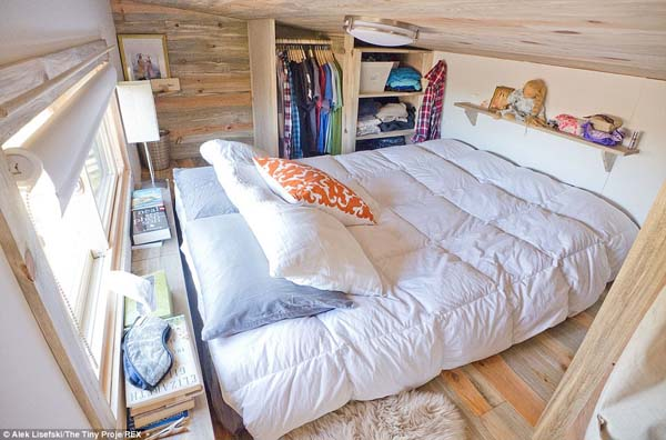 The small space isn't oppressive, in fact, it's snug and comfortable.