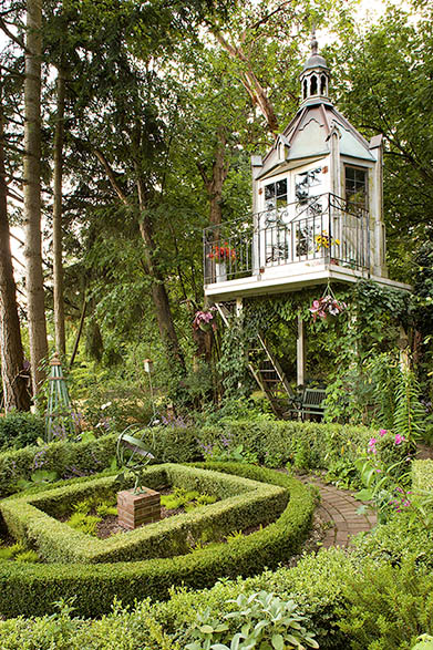Tower-Like Garden Shed